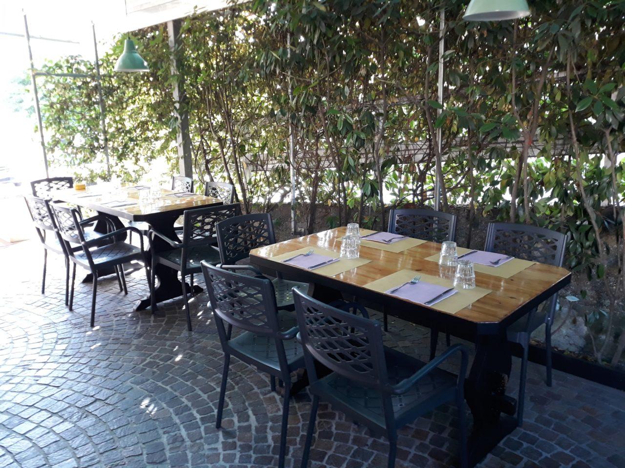 esterno ristorante pizzeria karkade